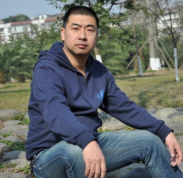 中年男人生活照照片
